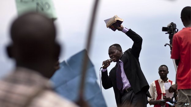 A religious leader making an address during a demonstration by Ugandans against homosexuality at Jinja, Kampala (14 February 2010)
