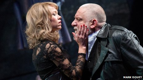 Anna Maxwell Martin and Simon Russell Beale in King Lear
