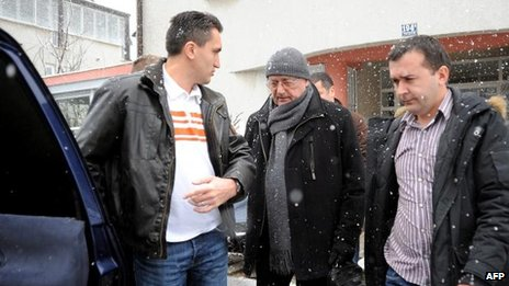 Josip Perkovic escorted to Zagreb airport (24 Jan)
