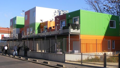 Housing for Roma people in Montreuil-sous-Bois