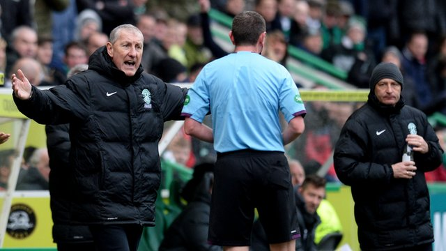 Hibs manager Terry Butcher remonstrates with referee Craig Thomson