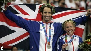 Nathan Robertson and Gail Emms with their silver medals at the 2004 Olympics