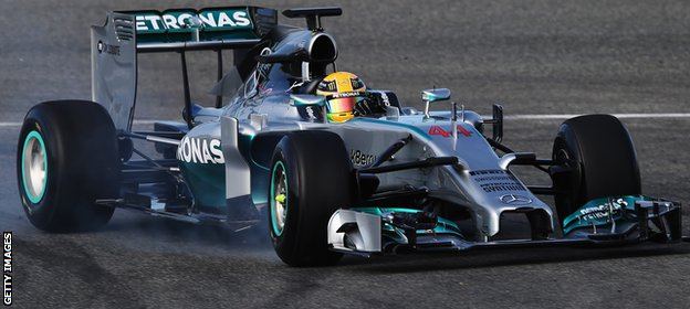 Hamilton out on the Jerez track before his crash