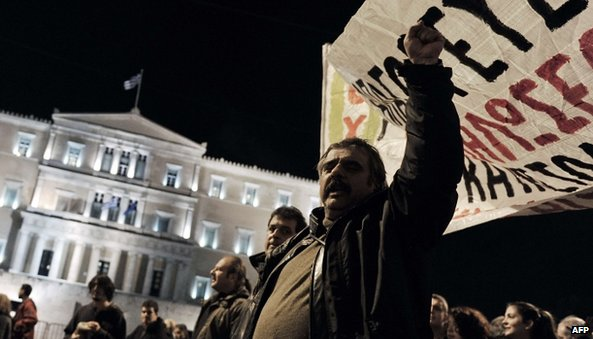 Protest outside the Greek parliament (22 January 2014)