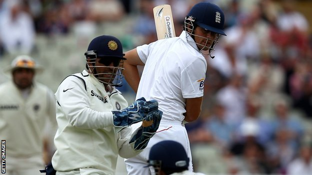 India captain MS Dhoni and England captain Alastair Cook