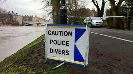 Police divers sign