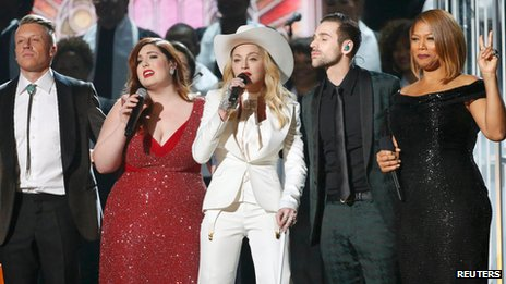 Macklemore, Mary Lambert, Madonna, Ryan Lewis and Queen Latifah perform Same Love at the Grammys