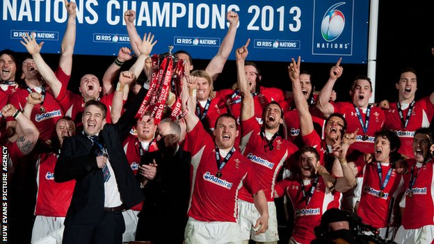 Wales celebrate winning the Six Nations 2013