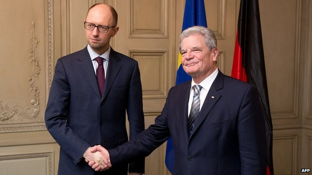 Ukraine opposition leader Arseniy Yatsenyuk with German President Joachim Gauck. 31 Jan 2014