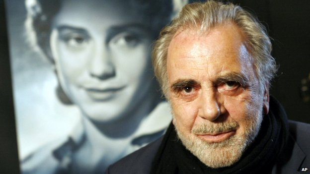 Maximilian Schell in front of a movie poster of his sister Maria (30 June 2007)
