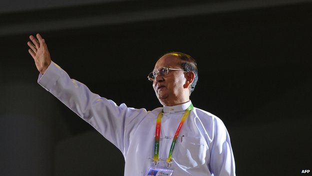 File photo: President Thein Sein waves during the opening ceremony of the 27th Southeast Asian Games in Naypyidaw on 11 December 2013