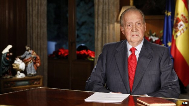 King Juan Carlos delivering his annual Christmas Eve message in 2013