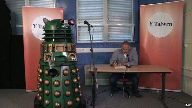 Daleks yn y Talwrn?  Rhowch eich punchline YMA