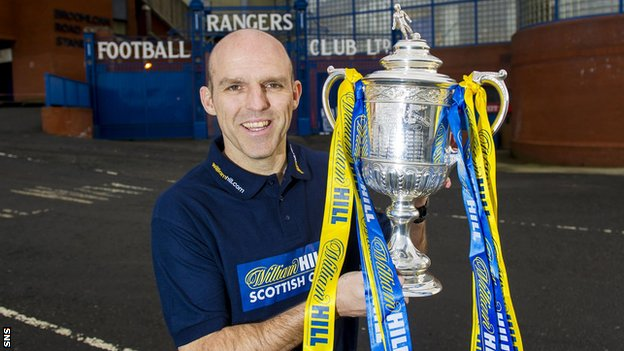 Alex Rae with the Scottish Cup