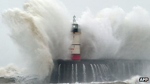 Newhaven Lighthouse on 5 February 2014