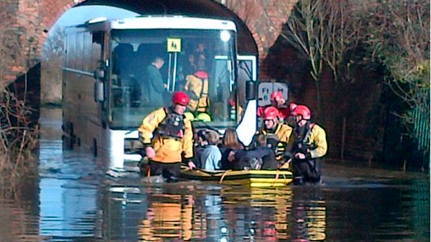Oxfordshire fire and rescue service rescuing stranded children