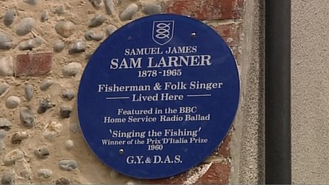 Blue plaque on Sam Larner's home