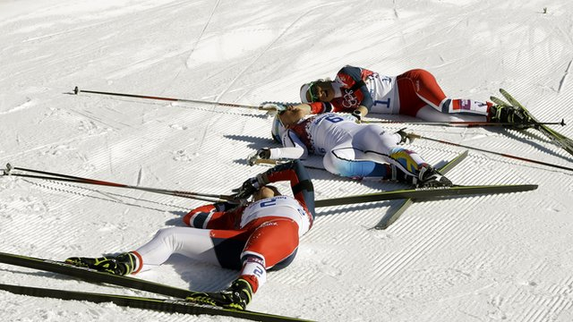 Exhausted medallists after women's 15km skiathlon