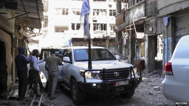 UN vehicle arriving in besieged area of Homs, 8 Feb