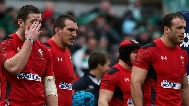 Sam Warburton (second from left)