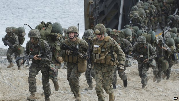 US and South Korean Marines during US-South Korea joint military exercises as part of Foal Eagle in Pohang, south of Seoul, South Korea, 26 April 2013