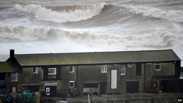 Dorset coast hit by waves