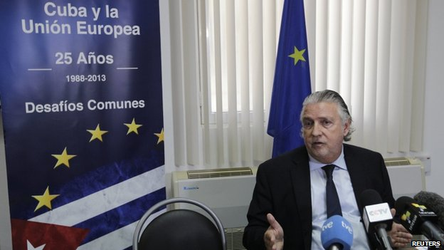 EU ambassador to Havana, Herman Portocarero, at a press conference in Havana (10 February 2014)