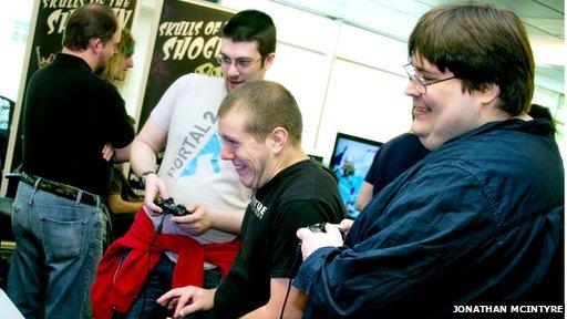 teenagers gaming