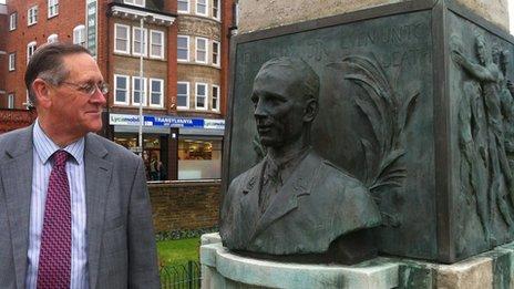 Edgar Mobbs at his great-uncle's memorial