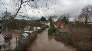 Flooding at East Waterside, Upton upon Severn