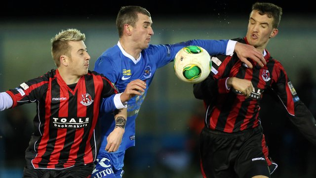 Crusaders and Ballinamallard action