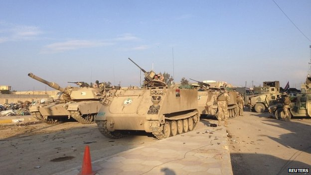 Iraqi armoured vehicles and tanks in Ramadi (12 February 2014)