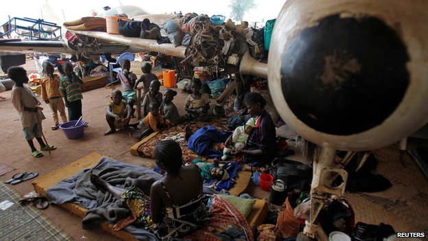 Displaced children at a camp at Bangui airport on 11 February 2014