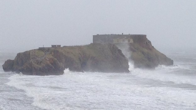 St Catherine's Island in Tenby battered by storm