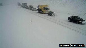 Traffic on snowbound A9