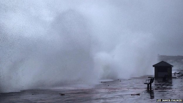 Waves on Penzance Promenade. Pic: Lee James Palmer