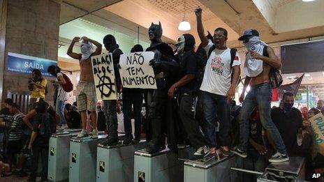 Rio protest, 7 Feb 2014