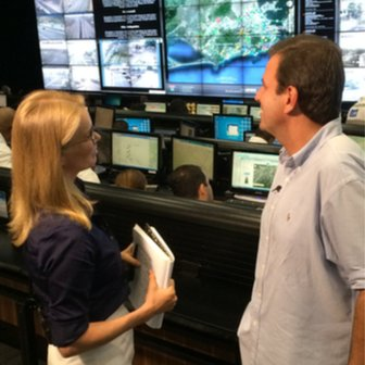 Katty and Mayor Eduardo Paes in control room