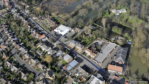 "Aerial view of Chertsey ""sausage"" aquadam"