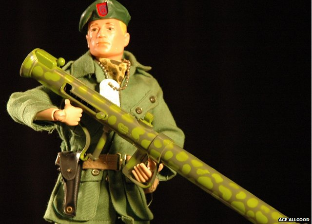 Green Beret GI Joe holding a bazooka