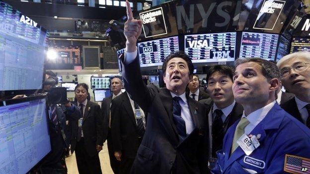 Japanese prime minister Shinzo Abe touring New York stock exchange