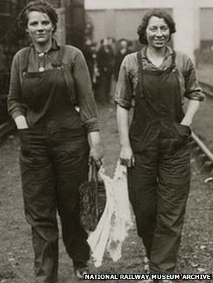 Women carriage cleaners on the London & South Western Railway, about 1916