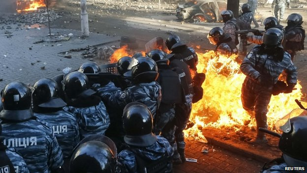Riot police fight protesters in Kiev. Photo: 18 February 2014