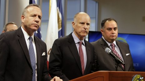 State Senate President Pro Tem Darrell Steinberg (left), California Governor Jerry Brown (centre) and Assembly Speaker John Perez appeared in Mather, California, on 19 February 2014