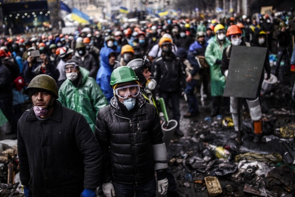Anti-government protesters in Kiev (20 February 2014)