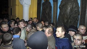 Captured interior troops in Kiev's St Volodymyr Cathedral