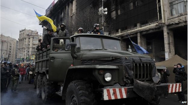 Protesters in a military vehicle in Independence Square, Kiev (22 feb 2014)