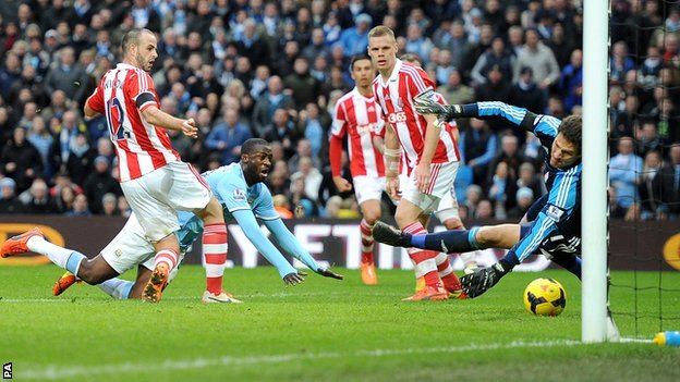 Yaya Toure scores for Man City against Stoke