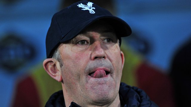 Crystal Palace 0-2 Manchester United: Tony Pulis rues penalty