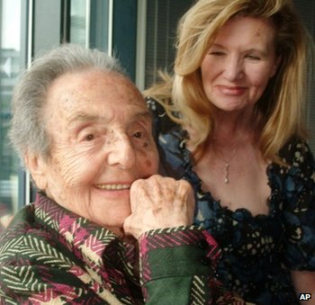 Alice Herz-Sommer and Caroline Stoessinger, who compiled Ms Herz-Sommer's memories in a book